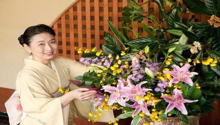 館内を彩る生け花