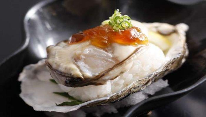 牡蠣の握り寿司
