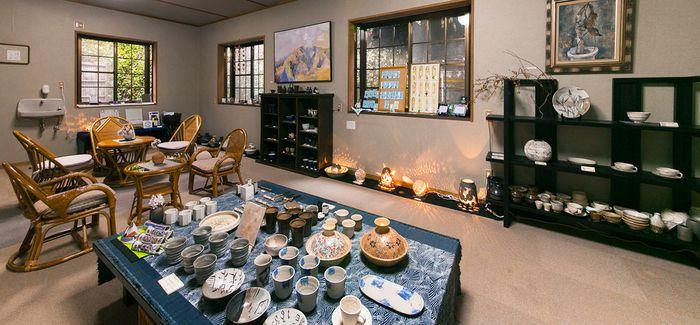 陶芸品展示コーナー