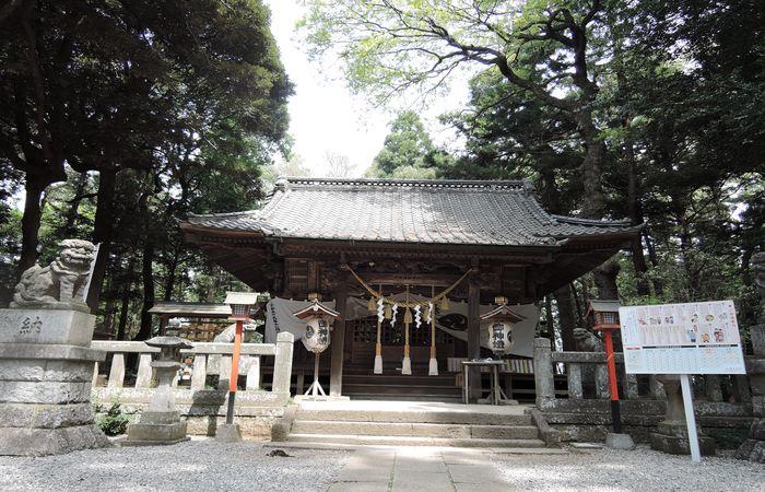 間々田八幡宮(拝殿)
