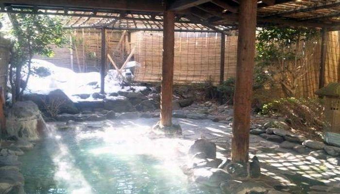 酸性泉の温泉地