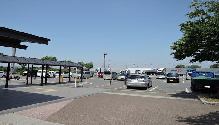 道の駅庄和の駐車場