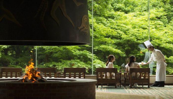 森のホテル