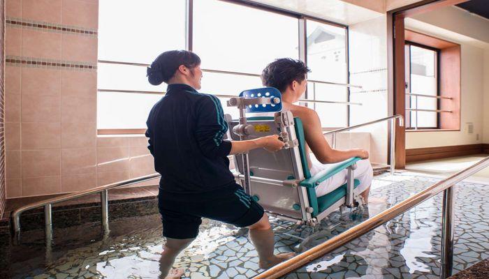 車椅子のまま入れる温泉