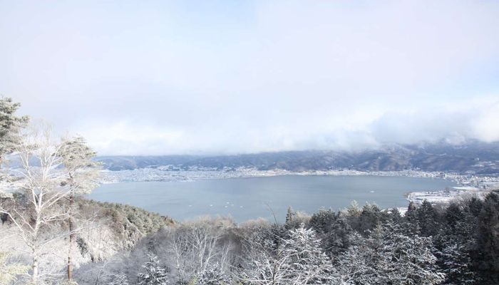 冬の諏訪湖