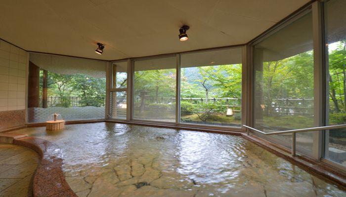 大浴場(伊豆石)