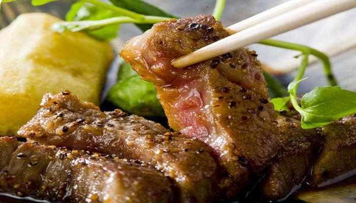 飛騨牛のステーキ