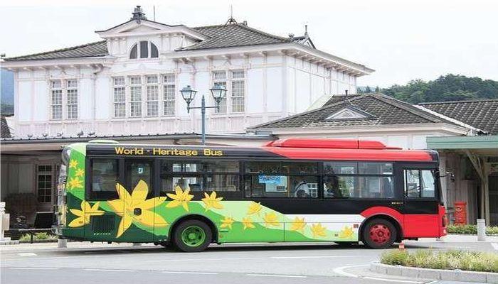 世界遺産巡りバス