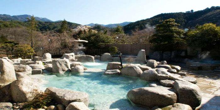 石の露天風呂
