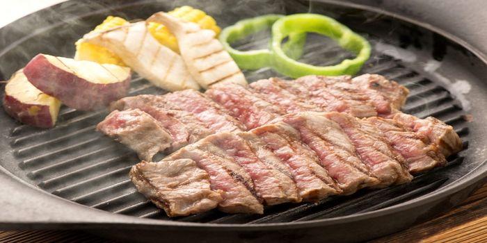 赤牛のステーキ