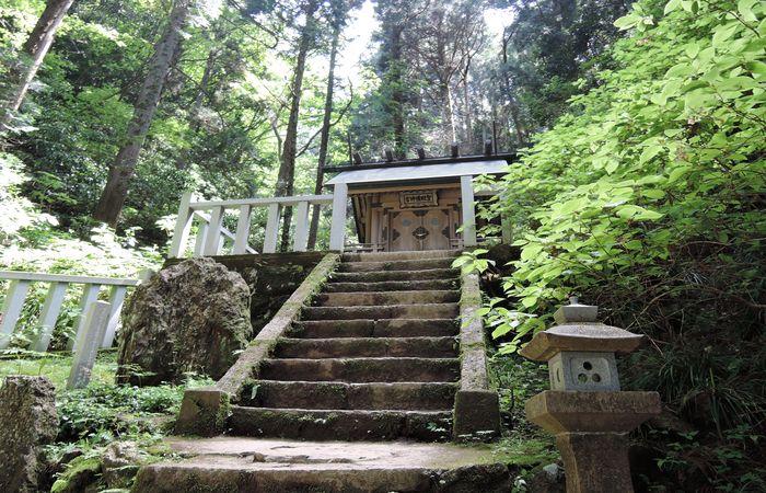 かびれ神宮(拝殿)