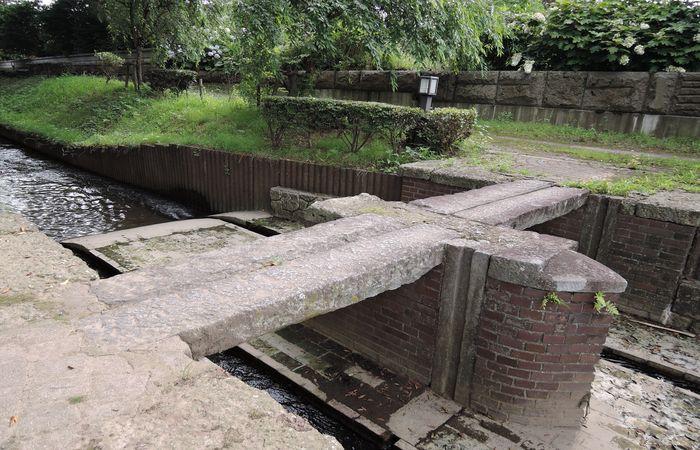 レンガ造りの水門