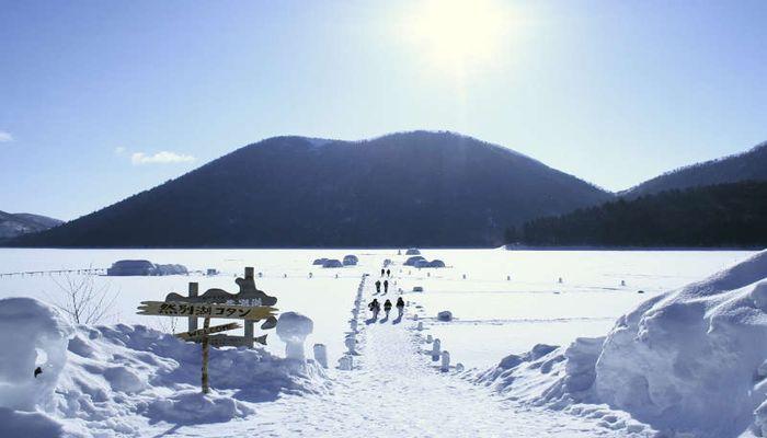 冬の然別湖