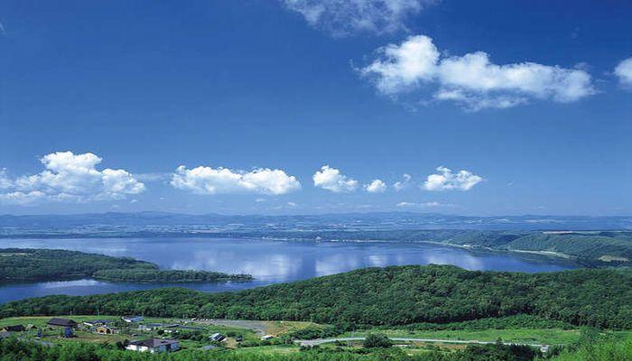 新緑の網走湖