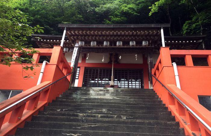 鬼怒川温泉神社|拝殿前