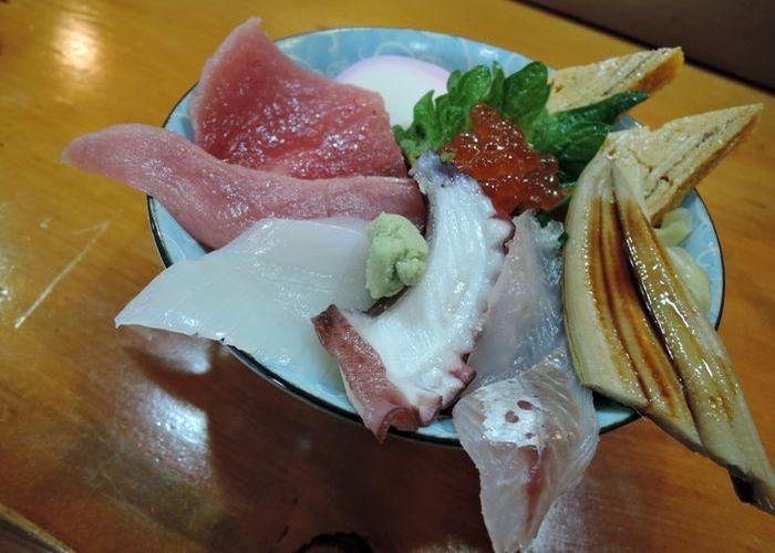 地魚の海鮮丼