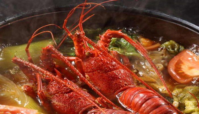 伊勢海老のトマト鍋