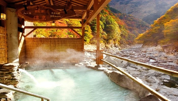 秘境の露天部風呂