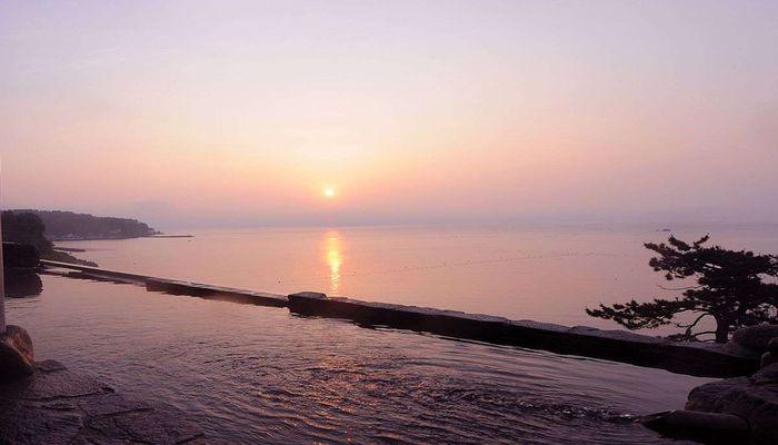 展望露天風呂(朝の風景)