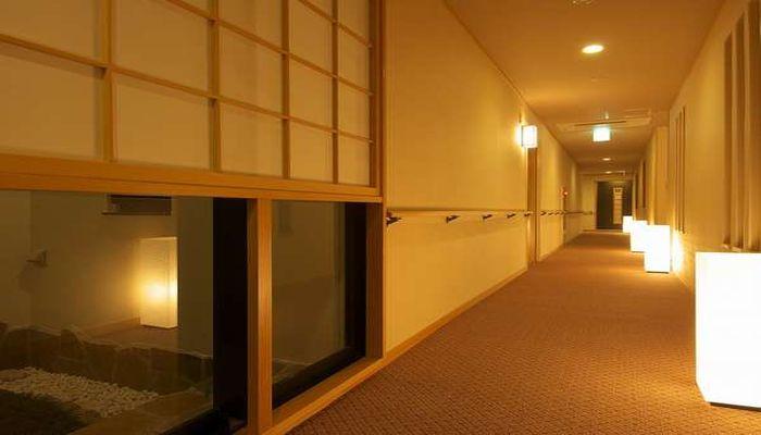 手すり付き廊下