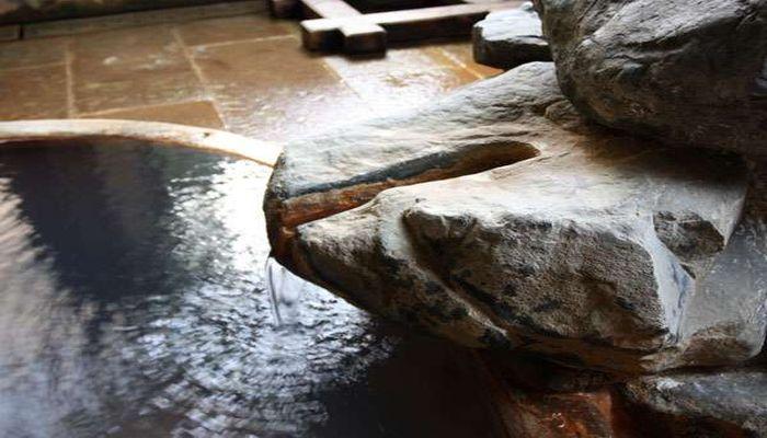 鎌倉風呂の湯口