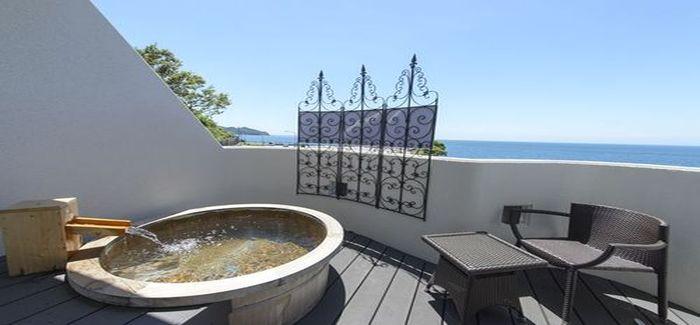 客室露天風呂(昼間)