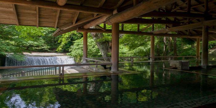 滝見の露天風呂